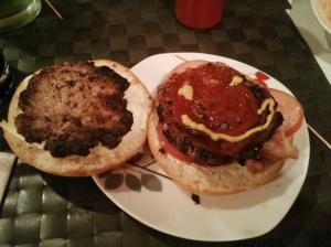 Lo único apetecible de esta hamburguesa es la sonrisa...